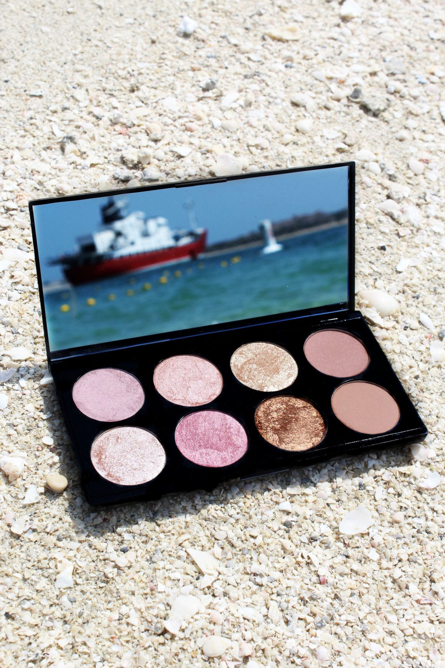 Makeup Revolution Golden Sugar 2 Rose Gold Blush Palette - Miel and Mint