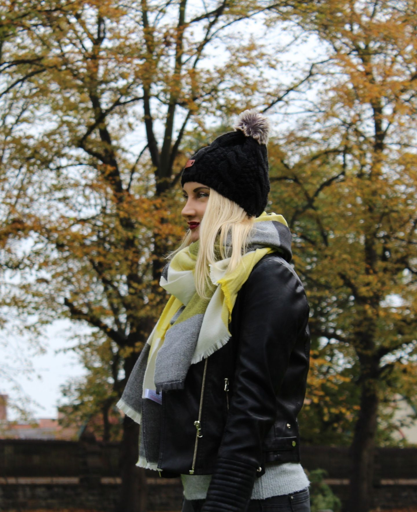 Autumn OOTD, Misguided faux leather jacket, pom pom hat 2 - Miel and Mint blog