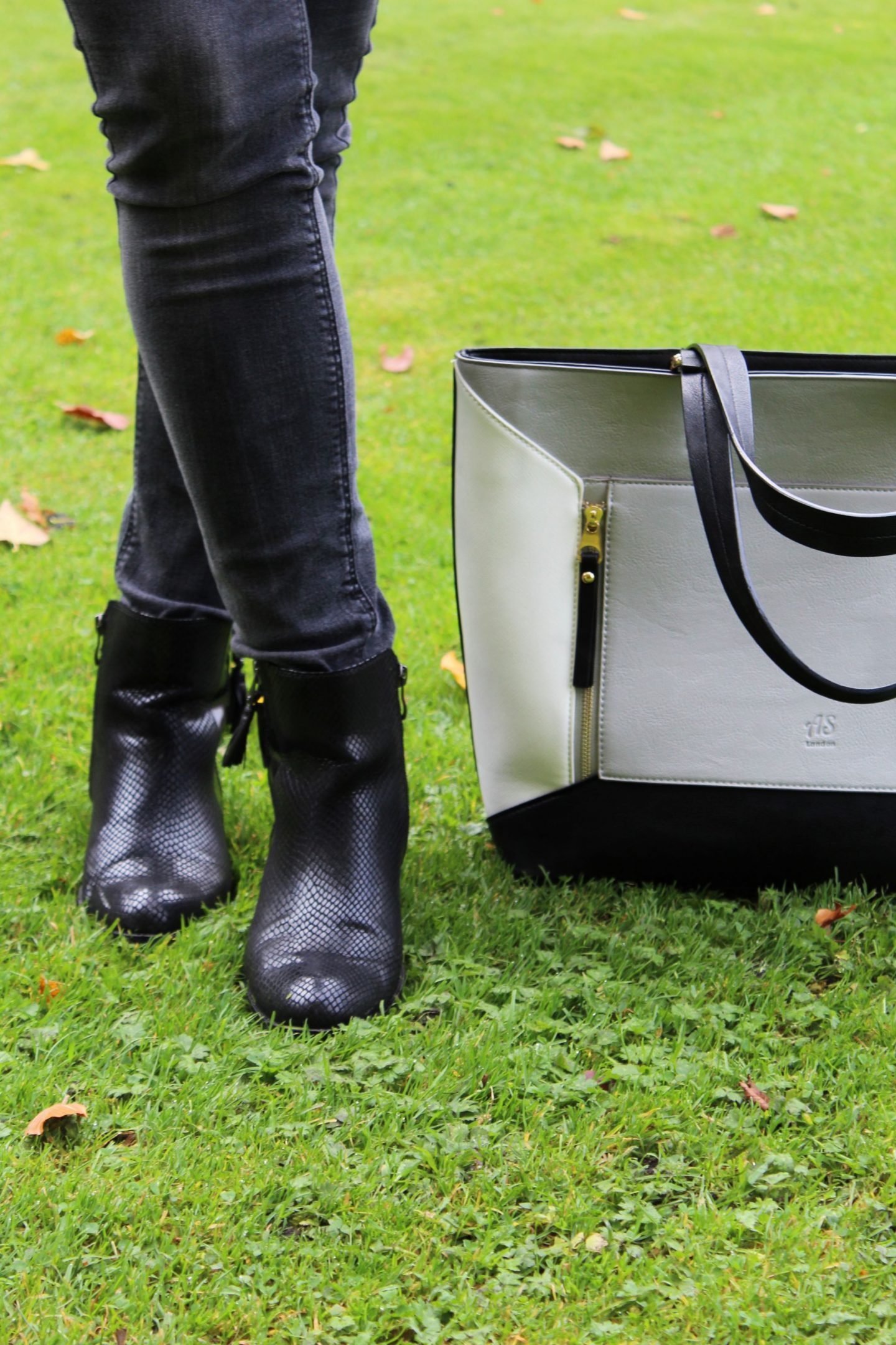 Marco Tozzi booties, LYDC bag - Miel and Mint blog