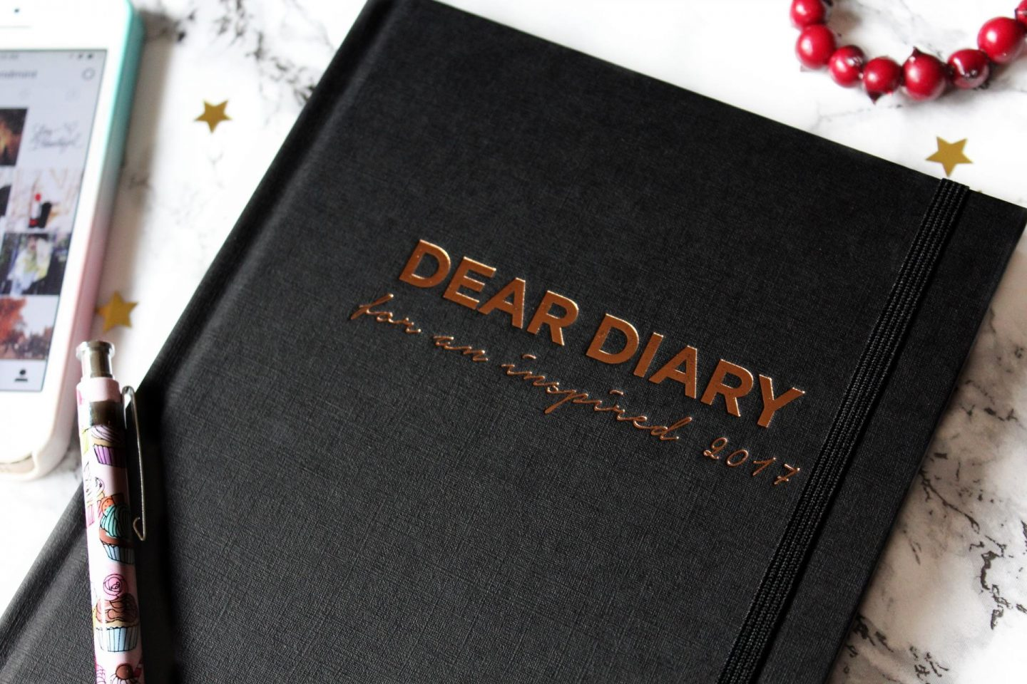 Dear Diary Planner, How To Stick To Your Goals  - Miel and Mint blog