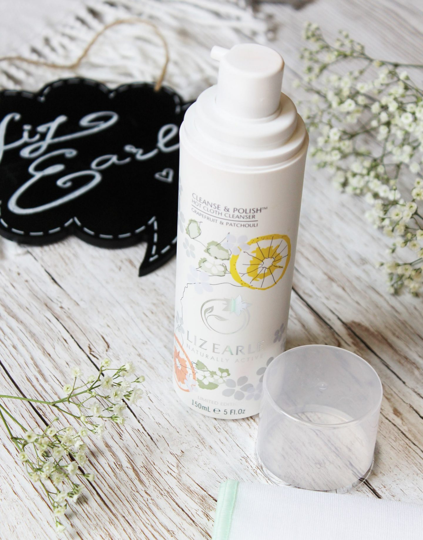 Liz Earle Grapefruit & Patchouli Limited Edition Cleanse & Polish Hot Cloth Cleanser