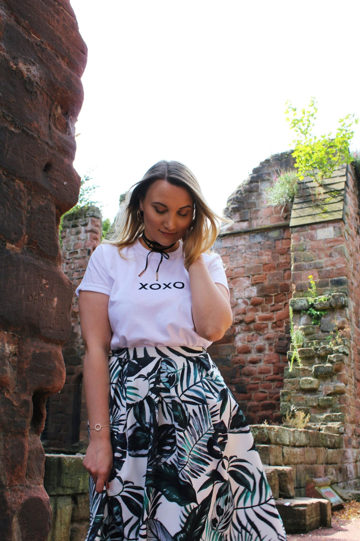 Boohoo xoxo t-shirt, Boohoo palm print Raya skirt OOTD - Miel and Mint blog